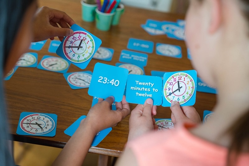 Teaching time games and resources to support your child's home learning
